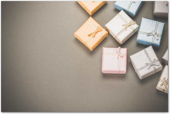 色とりどりのたくさんのプレゼントボックス