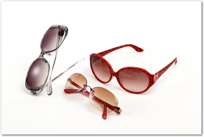 黒や茶色などのサングラス