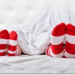 足の冷え性で寝れない!靴下で寝る時の注意点とおすすめの方法は?