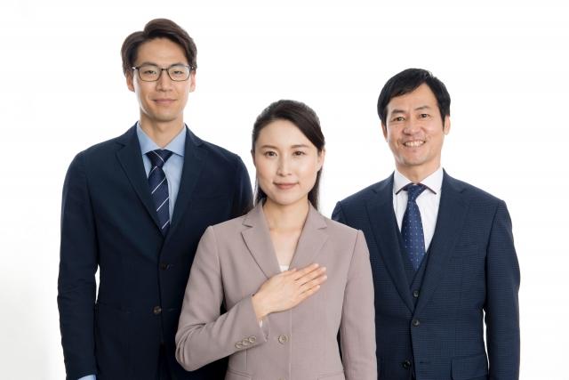 3人の執務者